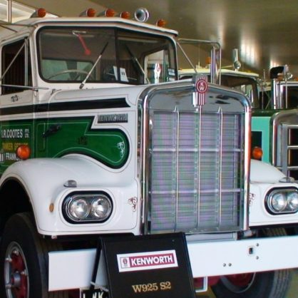 Ian Cootes Kenworth W925 S2
